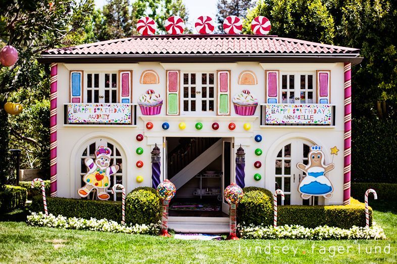 Candy Land Party Extreme Love It I Christmas Gingerbread House Candy Land Christmas Outdoor Christmas Decorations