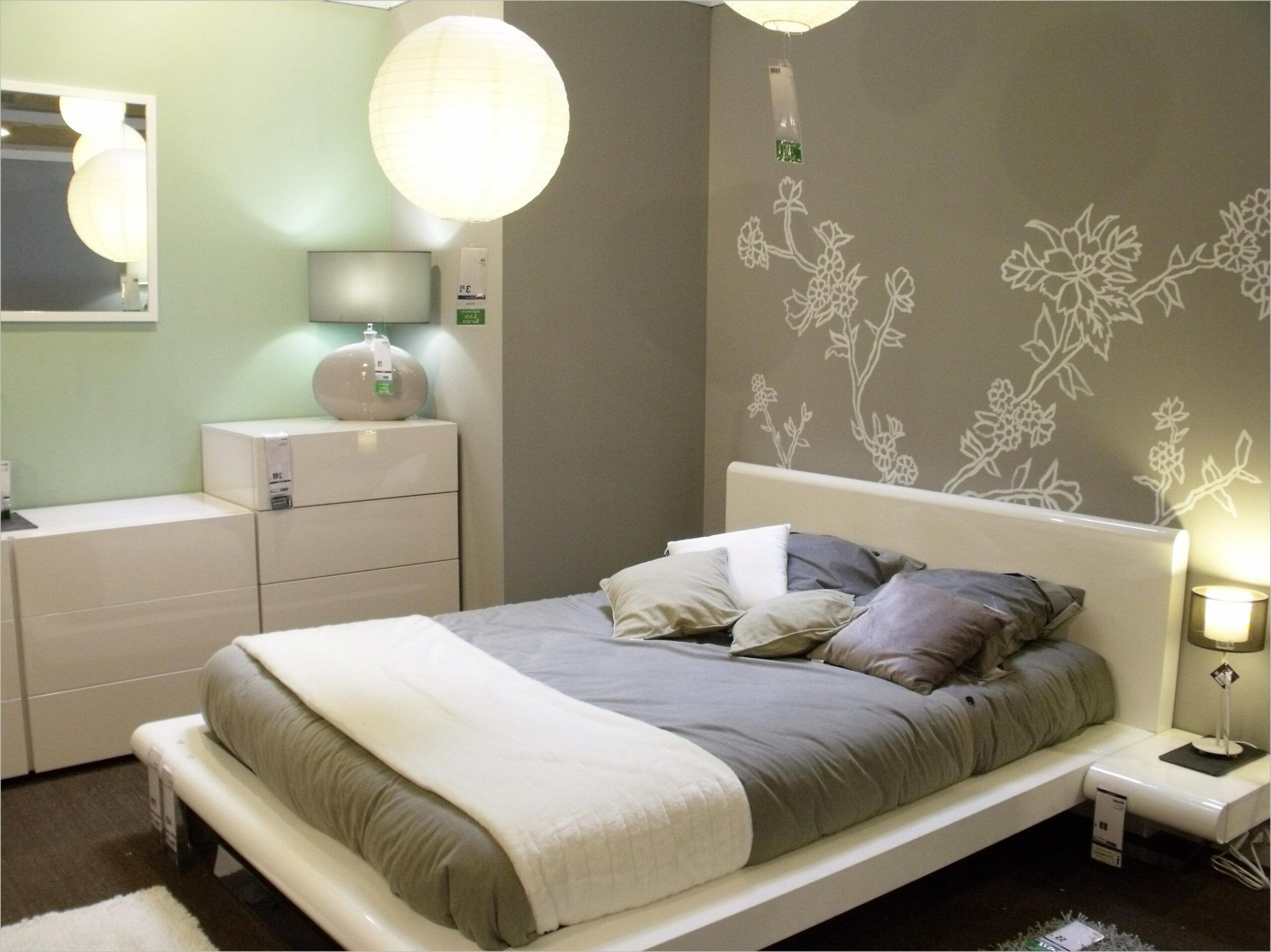 Deco Chambre Avec Lit Gris In 2020 Italian Bedroom Furniture