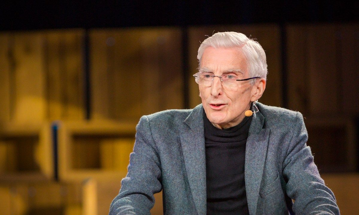 A post-apocalyptic Earth, emptied of humans, seems like the stuff of science fiction TV and movies. But in this short, surprising talk, Lord Martin Rees asks us to think about our real existential risks — natural and human-made threats that could wipe out humanity. As a concerned member of the human race, he asks: What's the worst thing that could possibly happen?