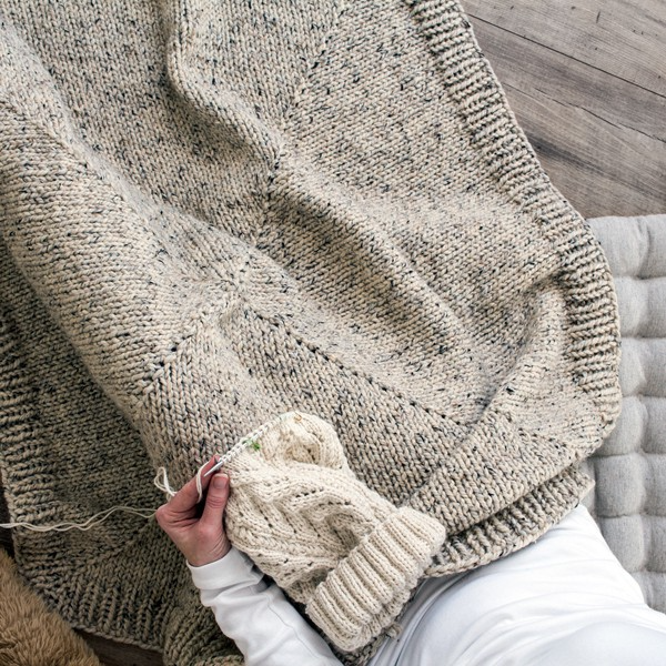 Photo of FOREVER : Square Chunky Blanket Knitting Pattern – Brome Fields