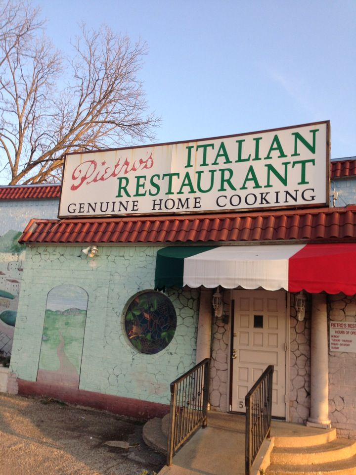Pietro S Italian Restaurant In Dallas Tx Fans Of Old School Red Sauce Will Find A Likable Dinosaur Which Originally Opened 1960