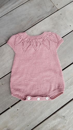 Photo of Little Dahlia Romper-Muster von Lene Holme Samsøe, #dahlia #holme #little #must…