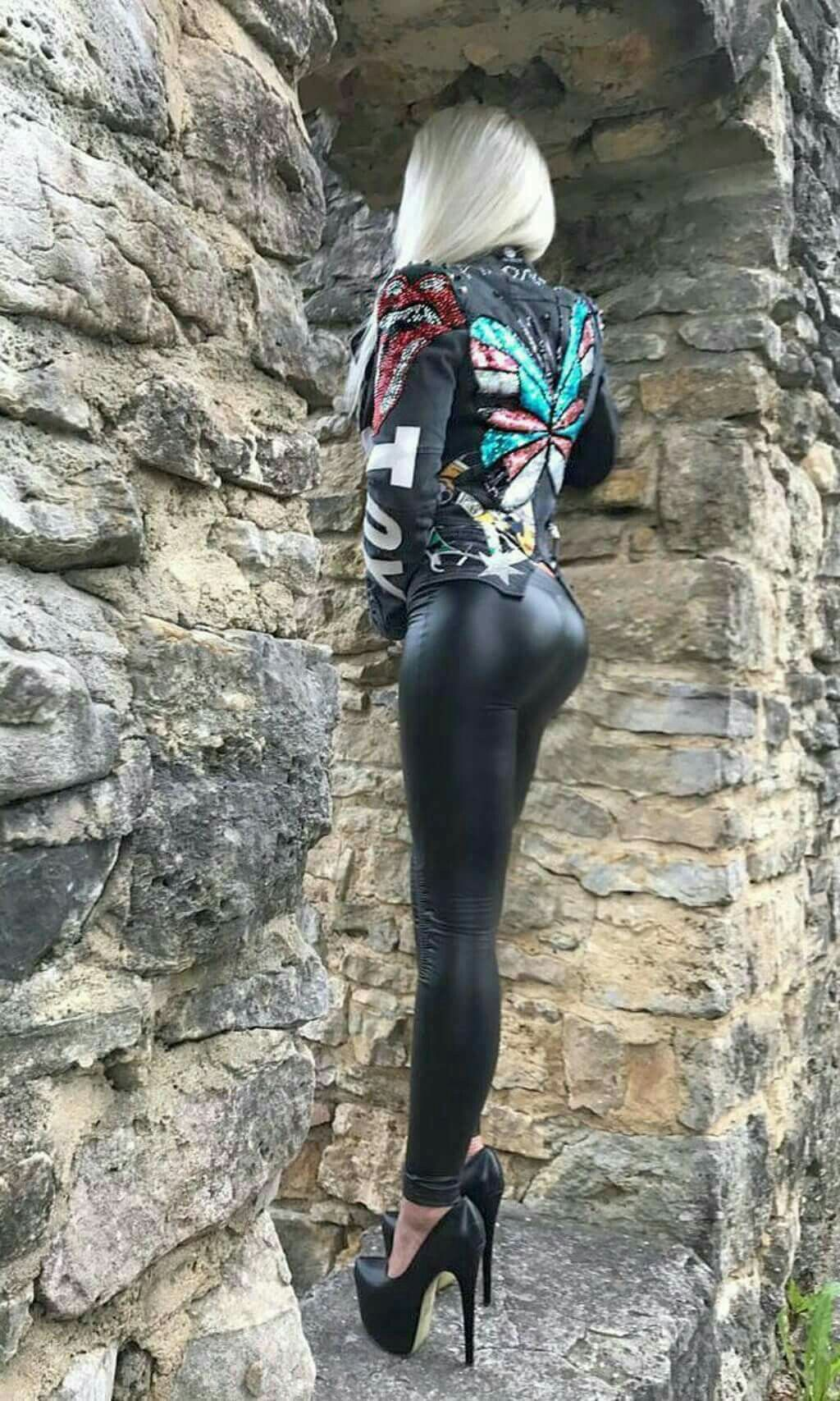 Knackarsch in leggings