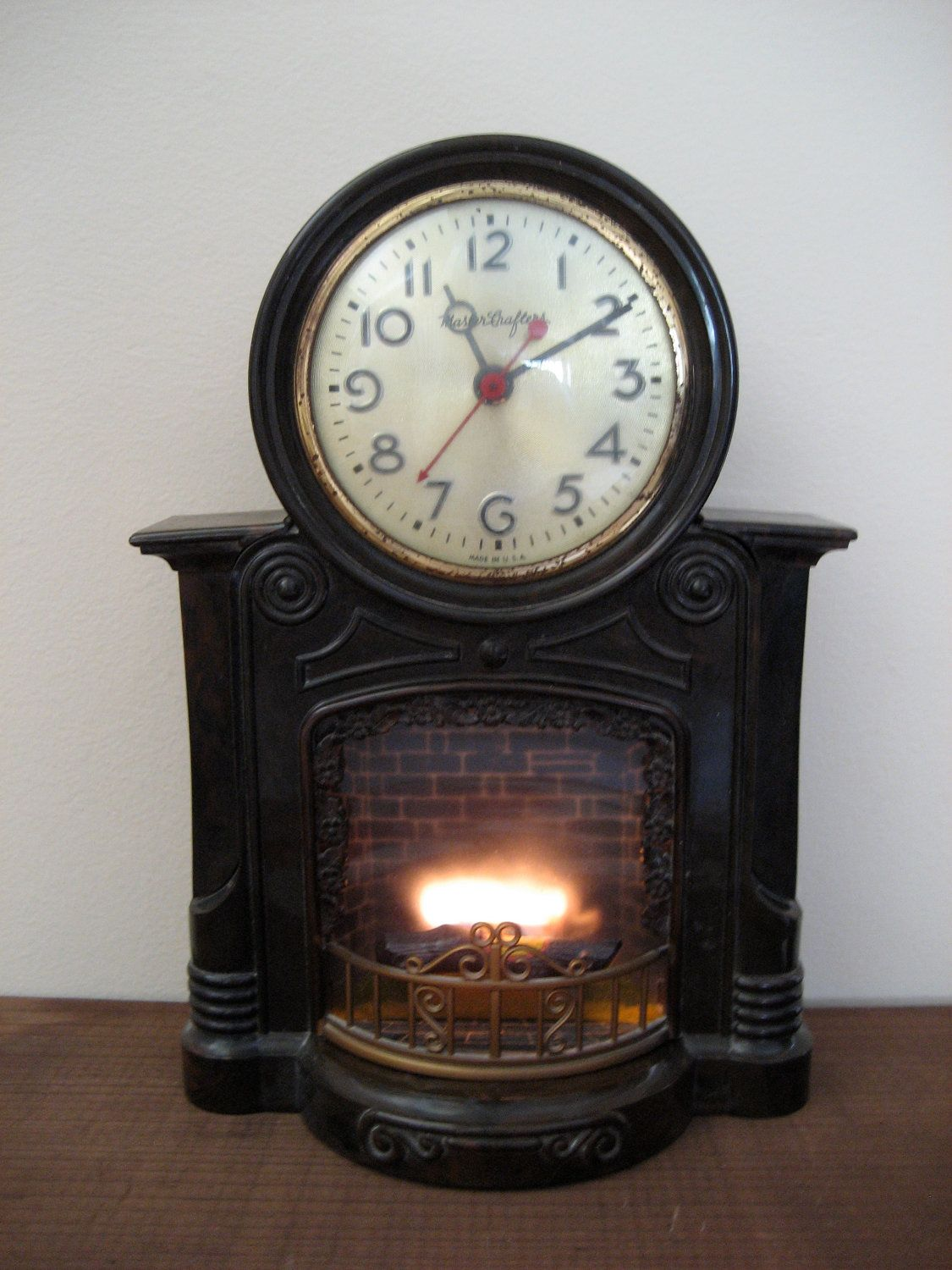 Vintage Mastercrafters Animated Fireplace Clock 1950s Lighted