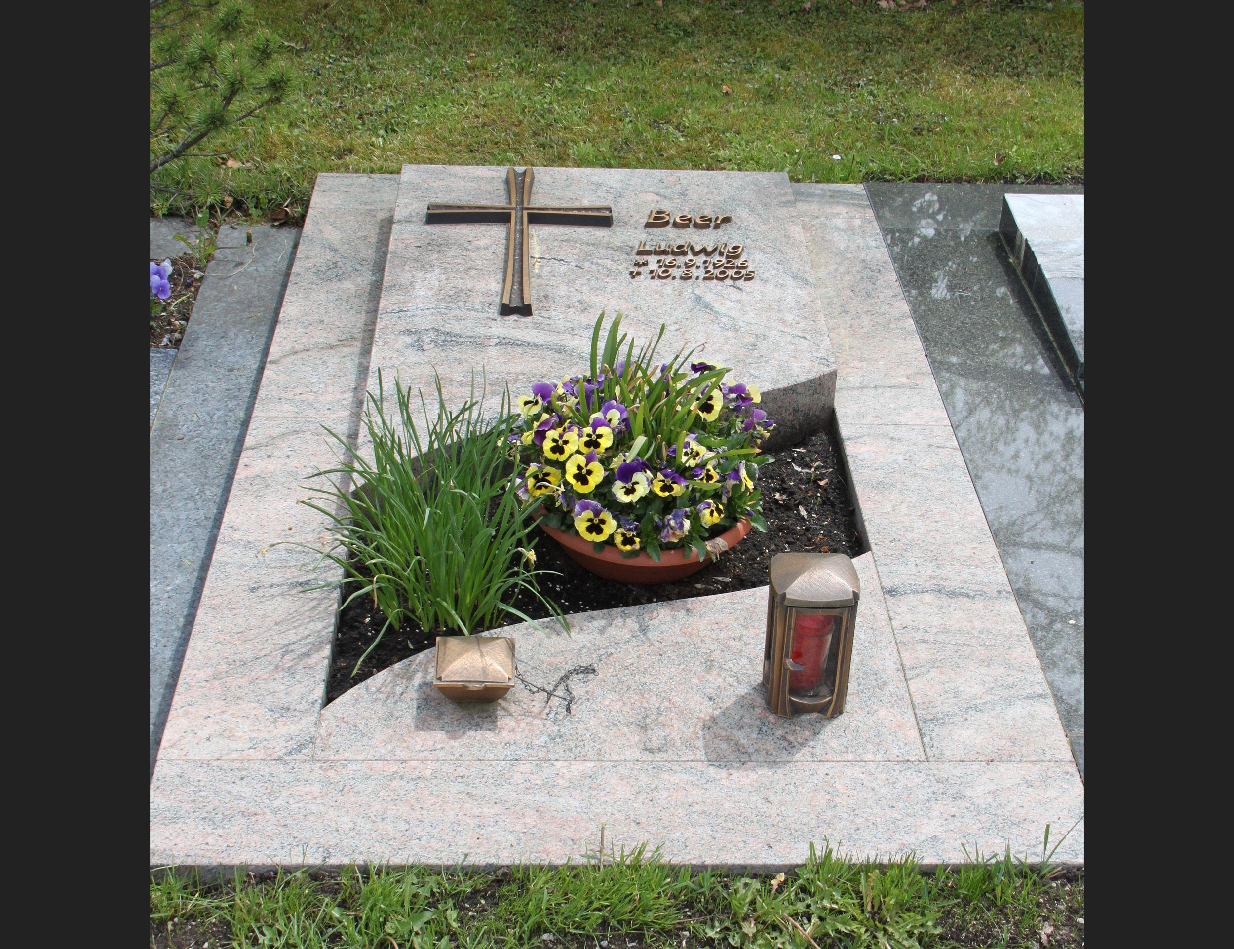 Grabsteine Grabmale Poliert Bildergalerie Steinmetz Herbert Baldauf Immenstadt Allgäu