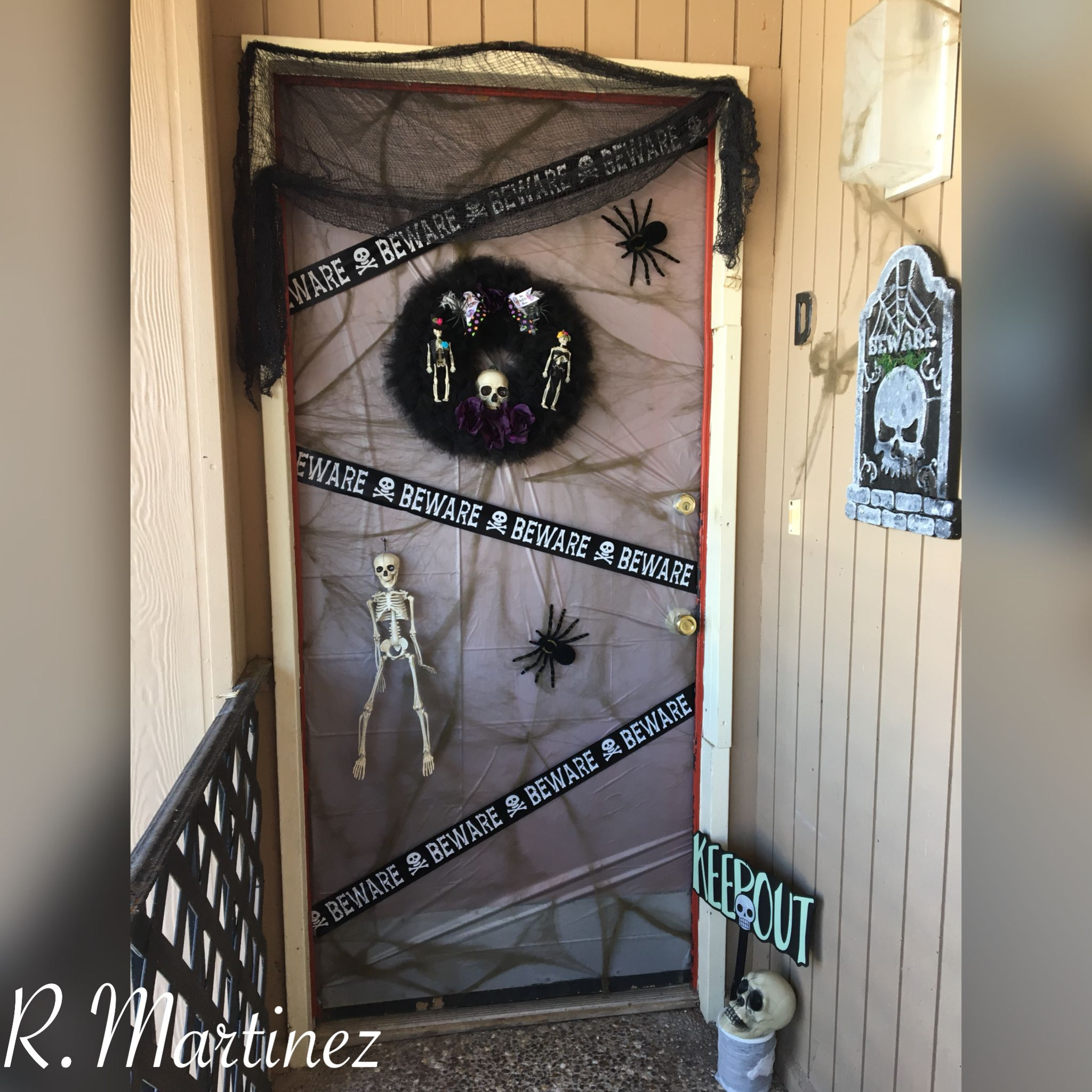 Halloween Skeleton Door Decor. & Halloween Skeleton Door Decor. | Halloween Things I Like | Pinterest pezcame.com