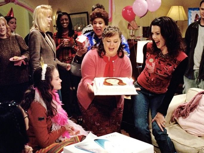 Melissa McCarthy Is On The 'Gilmore Girls' Revival Set & It's Great To See Sookie Back In Action | Bustle
