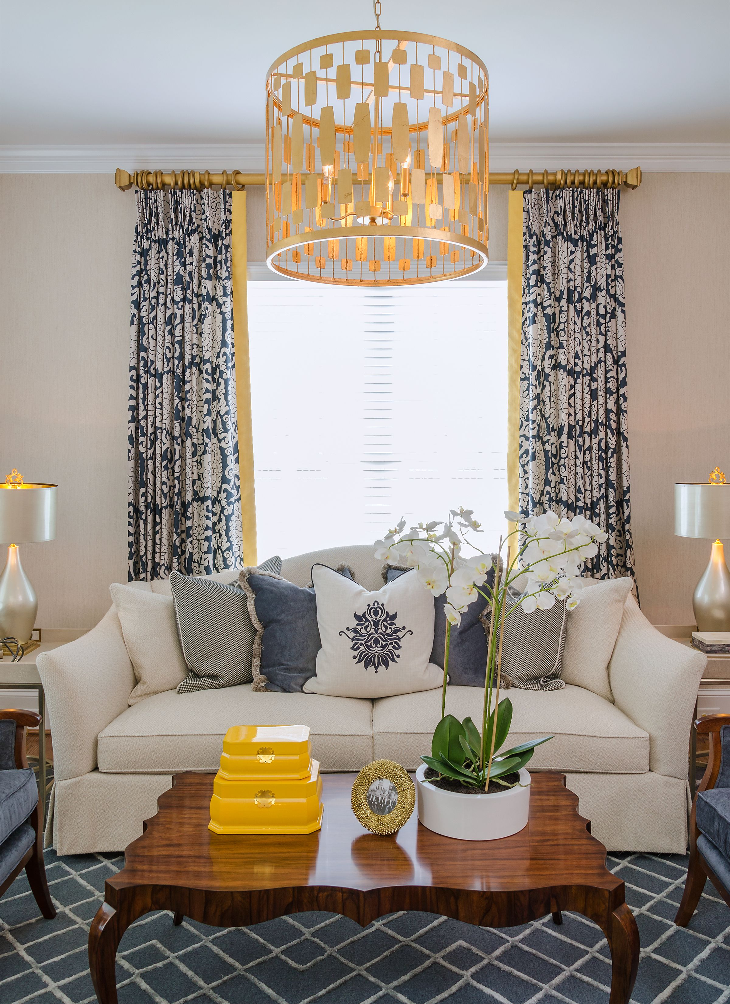 99 Beautiful White And Grey Living Room Interior: Beautiful Yellow Pop Of Color, Living Room, Gold Drum