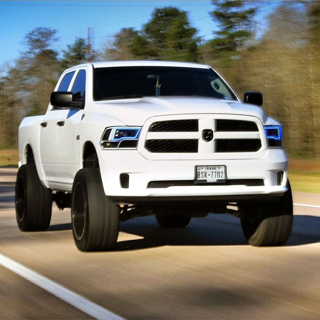 2013 Ram 1500 Hemi, 7 Inch Lift, 22x12 Fuels, 35 Inch