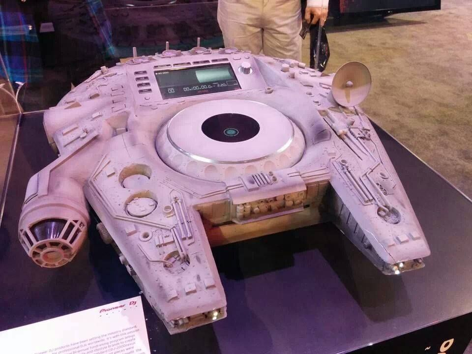 millennium falcon pioneer cdj 2000 nexus strange star wars things in 2019 dj kit dj. Black Bedroom Furniture Sets. Home Design Ideas