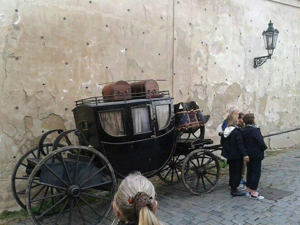 Outlander filming Season 2 in Prague