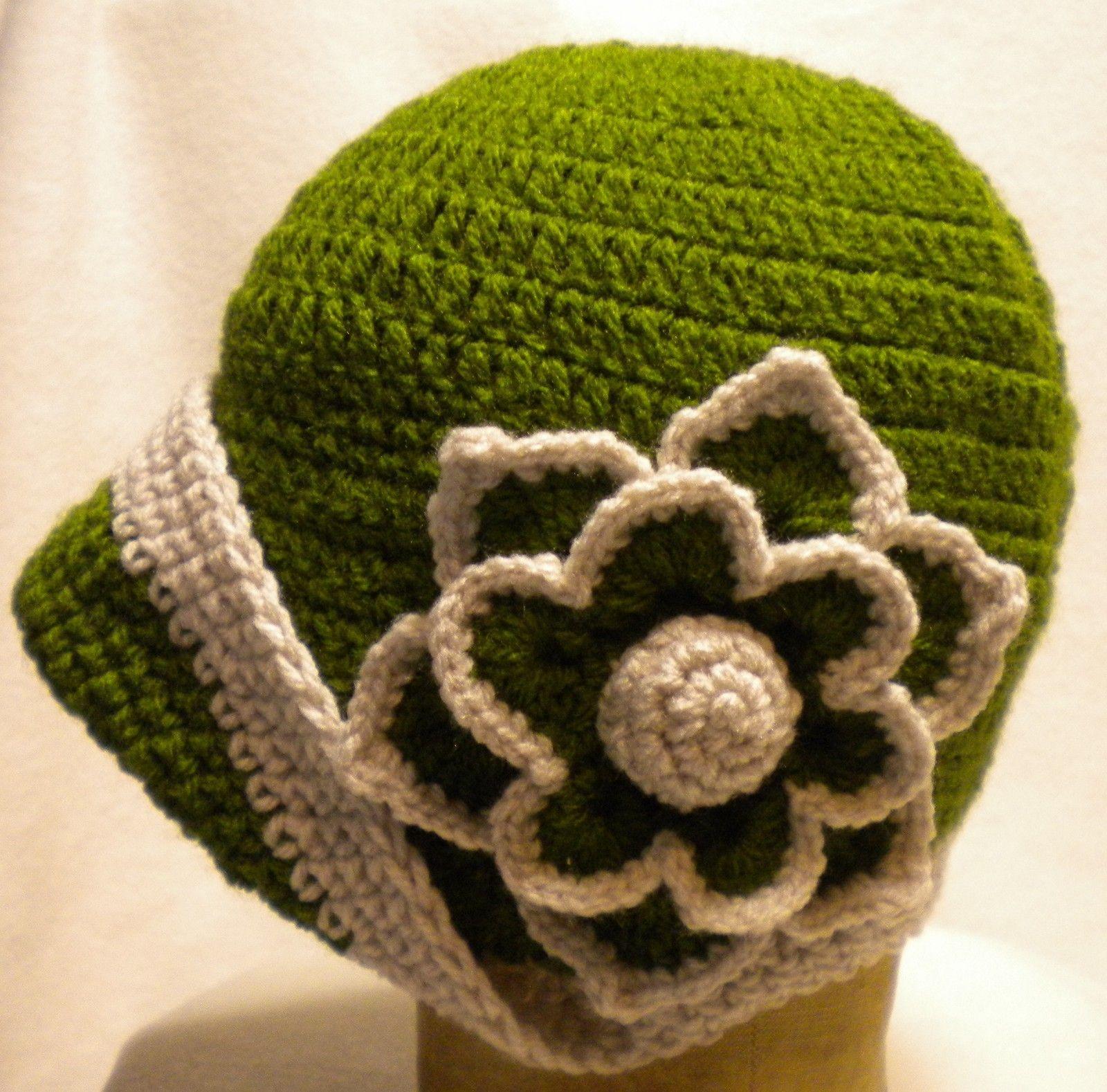 f0632407bdb Cloche 1920s vintage style ladies flapper crochet hat MEDIUM GREEN ...