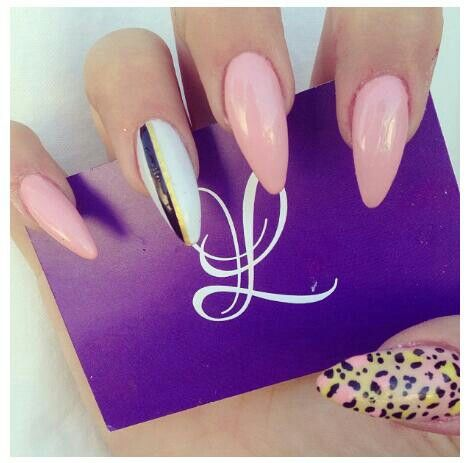 Cute Stiletto Nails Designs To Try - NAIL DESIGN / STILETTO NAILS / ACRYLIC NAILS / NAIL ART / OVAL NAILS