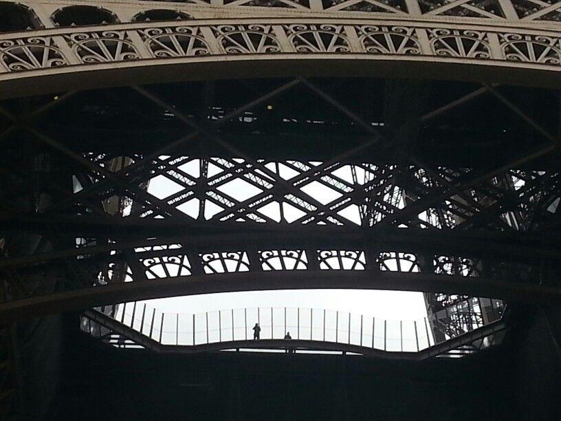 Eiffel graphism