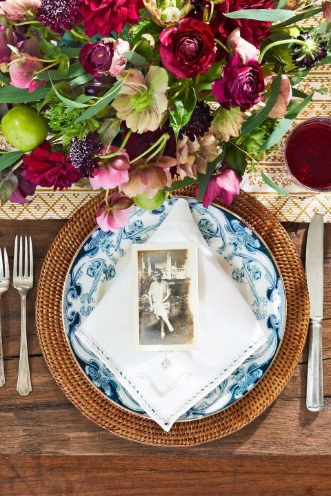 Some Thanksgiving Holiday ideas to inspire your celebration.         redheadcandecorate.com         Giving Thanks Place Mats - I...