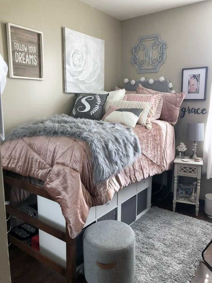 41 Small College Apartment Bedroom Ideas College Dorm Room Decor College Bedroom Decor Dorm Room Designs