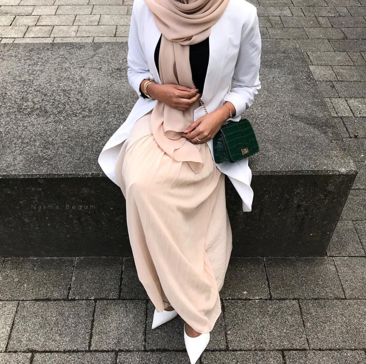5393d25e8 Pinterest: @adarkurdish Modest Outfits Muslim, Modest Fashion Hijab, Abaya  Fashion, Muslim