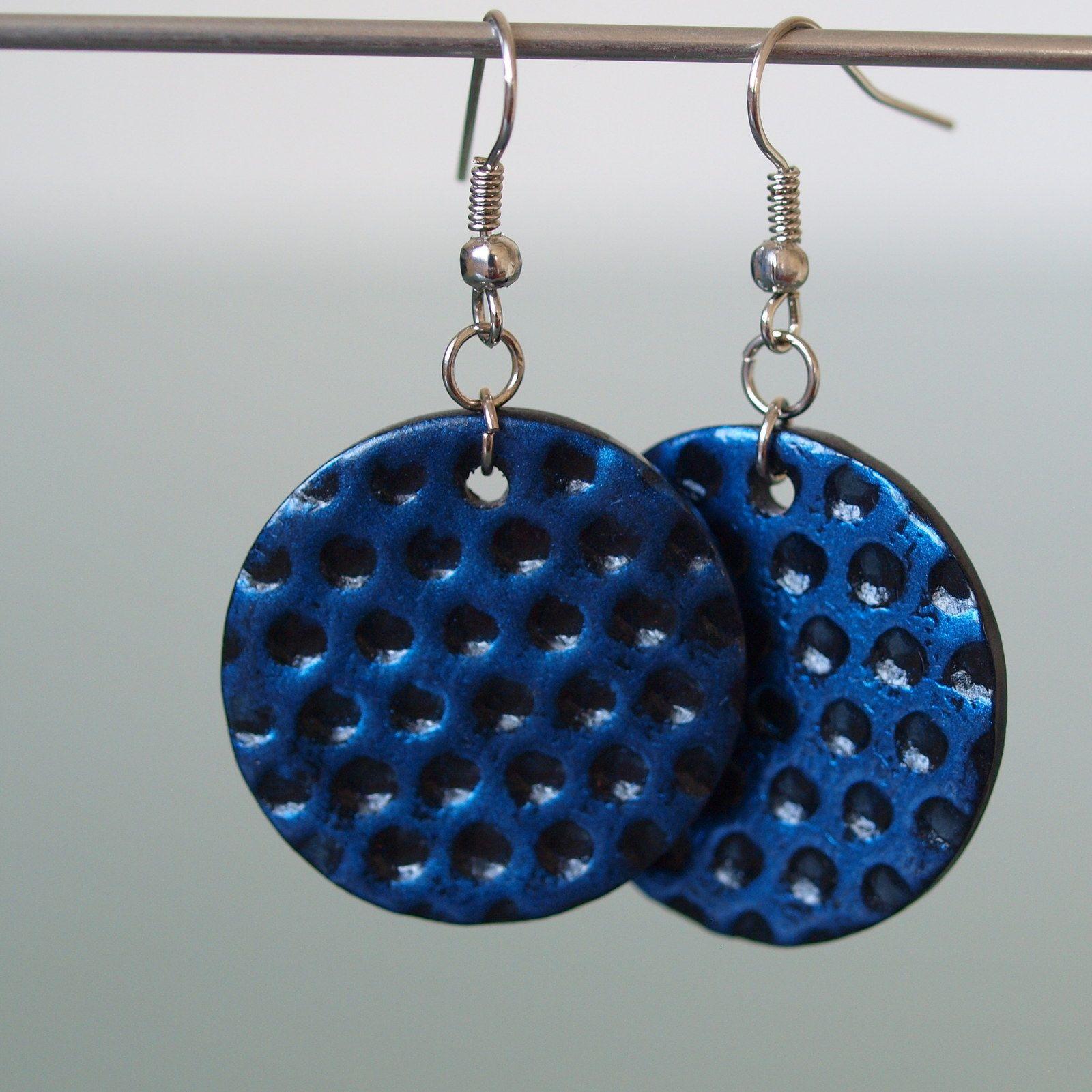 Puntíky modré Fimo korálek o průměru 2,8 cm. Sada s náhrdelníkem a prstýnkem. - polymer by teruberu
