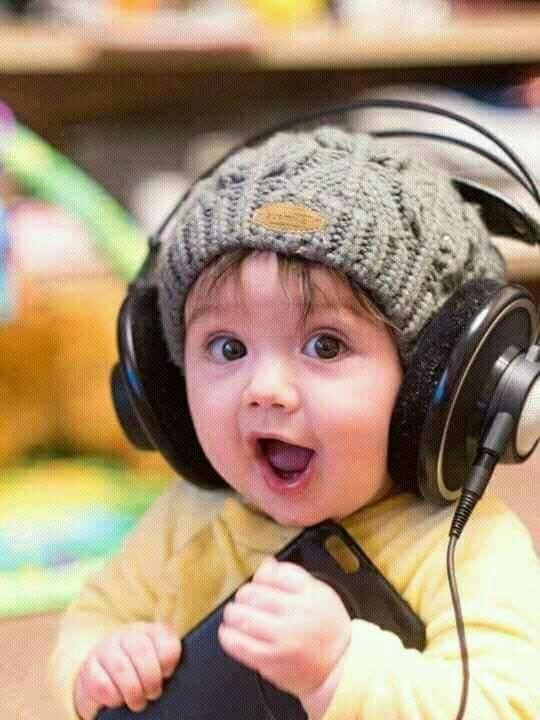 How I Feel About Listening To Music  Beb Menino Bonito -8624