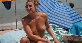 Jennifer Aniston Naked On The Beach