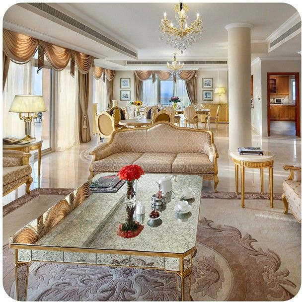 Exclusive Hotel In Dubai: Palace Style Penthouse, Living Room