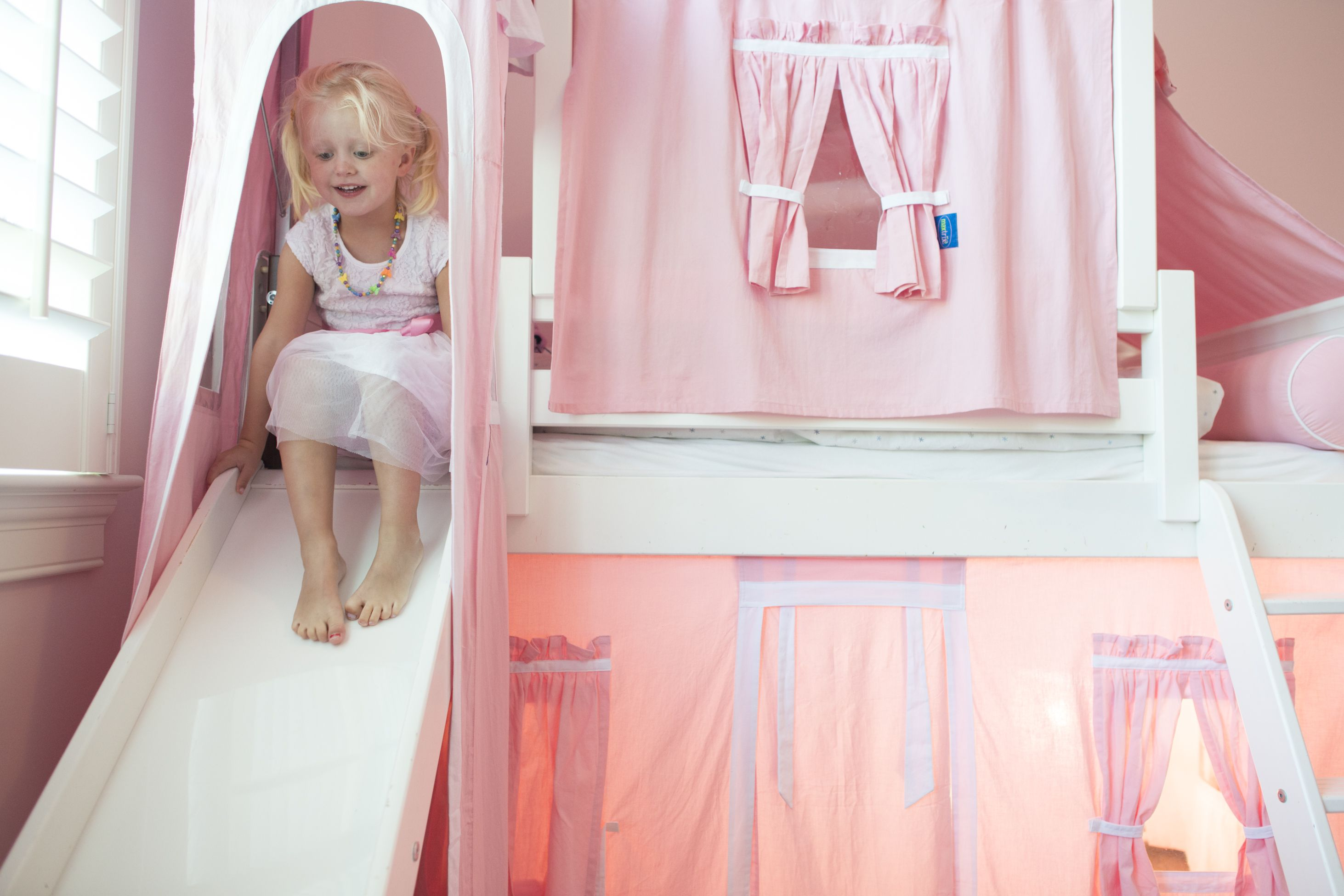 the perfect princess bed for your little girl www maxtrixkids com