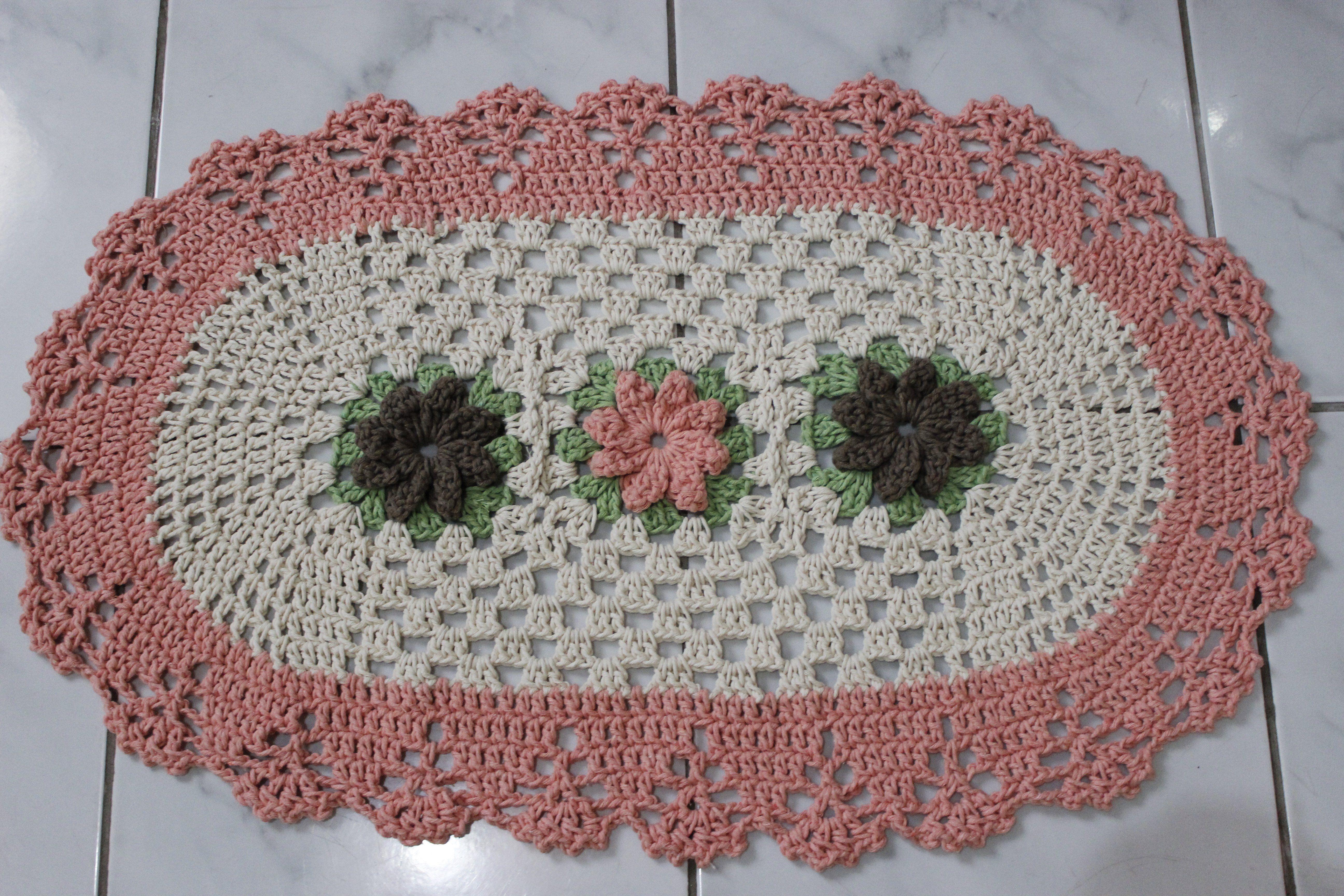 belos tapete oval de crochê com flores                                                                                                                                                      Mais