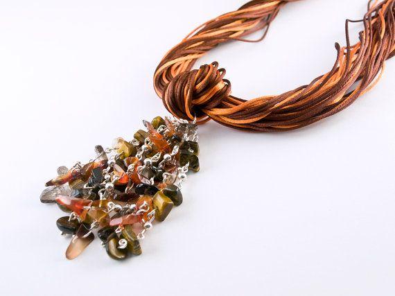 Collar Gran Cordelia Naranja por PetraStoneJoyas en Etsy,