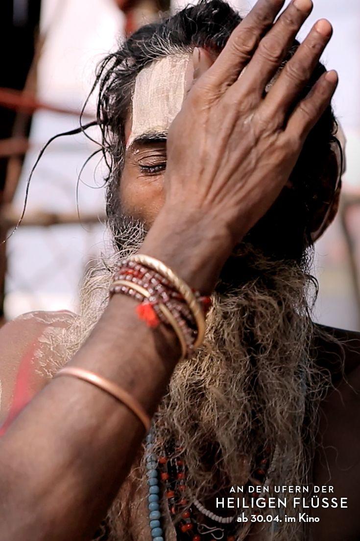 essay on kumbh mela indische hinduistische gl auml ubige kinder  indische hinduistische gl auml ubige kinder beim kumbh mela gr ouml szlig tes hatha yogi baba