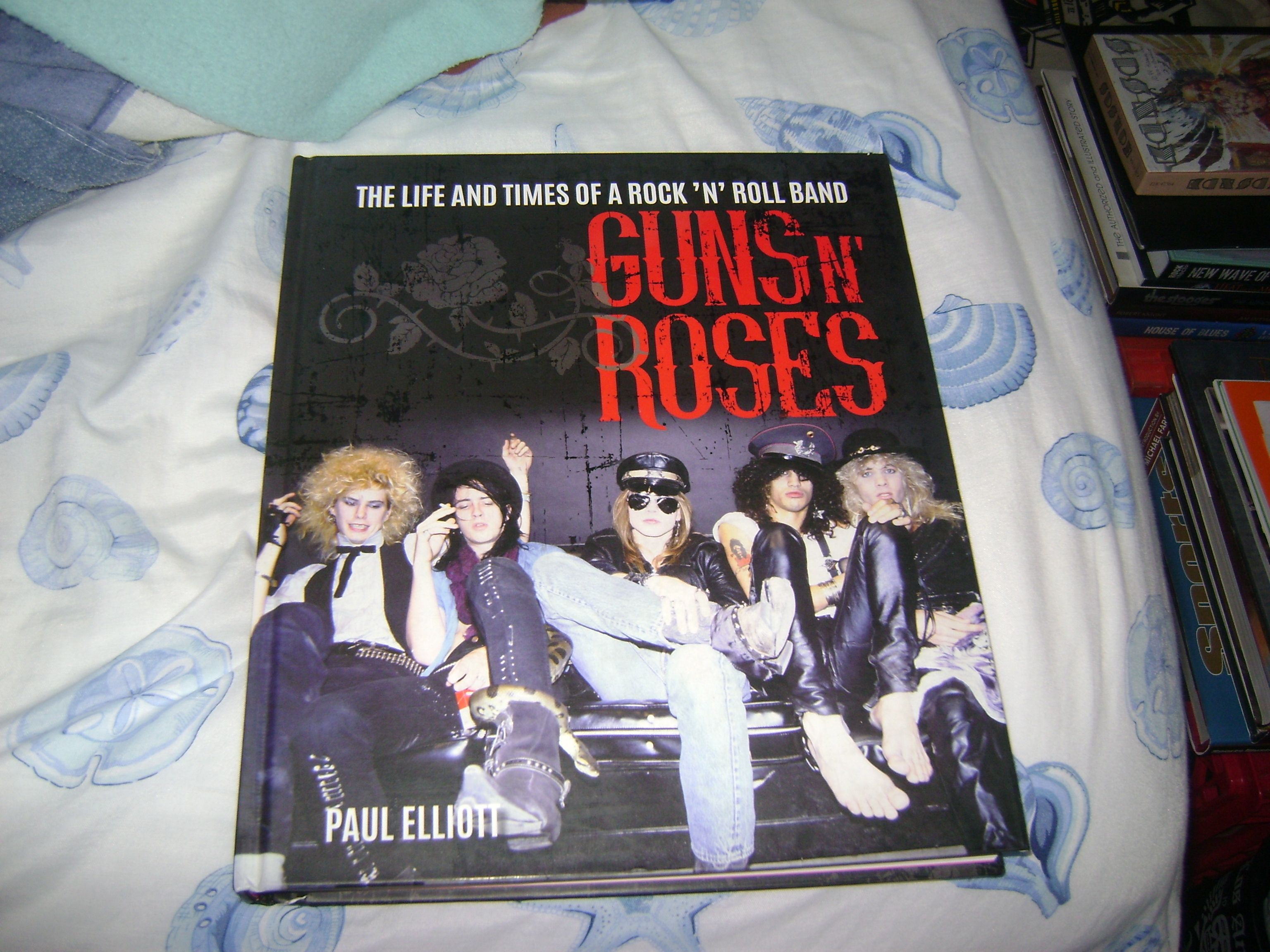 """Guns N Roses The Life And Times of a Rock N Roll Band"""" a true"""
