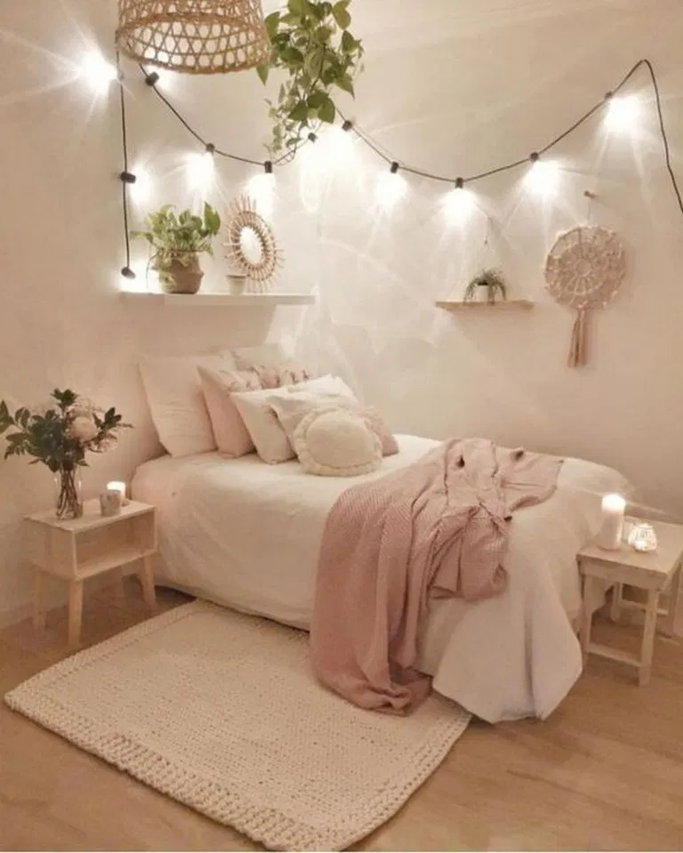 24 Brilliant Dorm Room Decor Ideas With Small Space Hacks Small Apartment Bedrooms Apartment Bedroom Design Aesthetic Bedroom