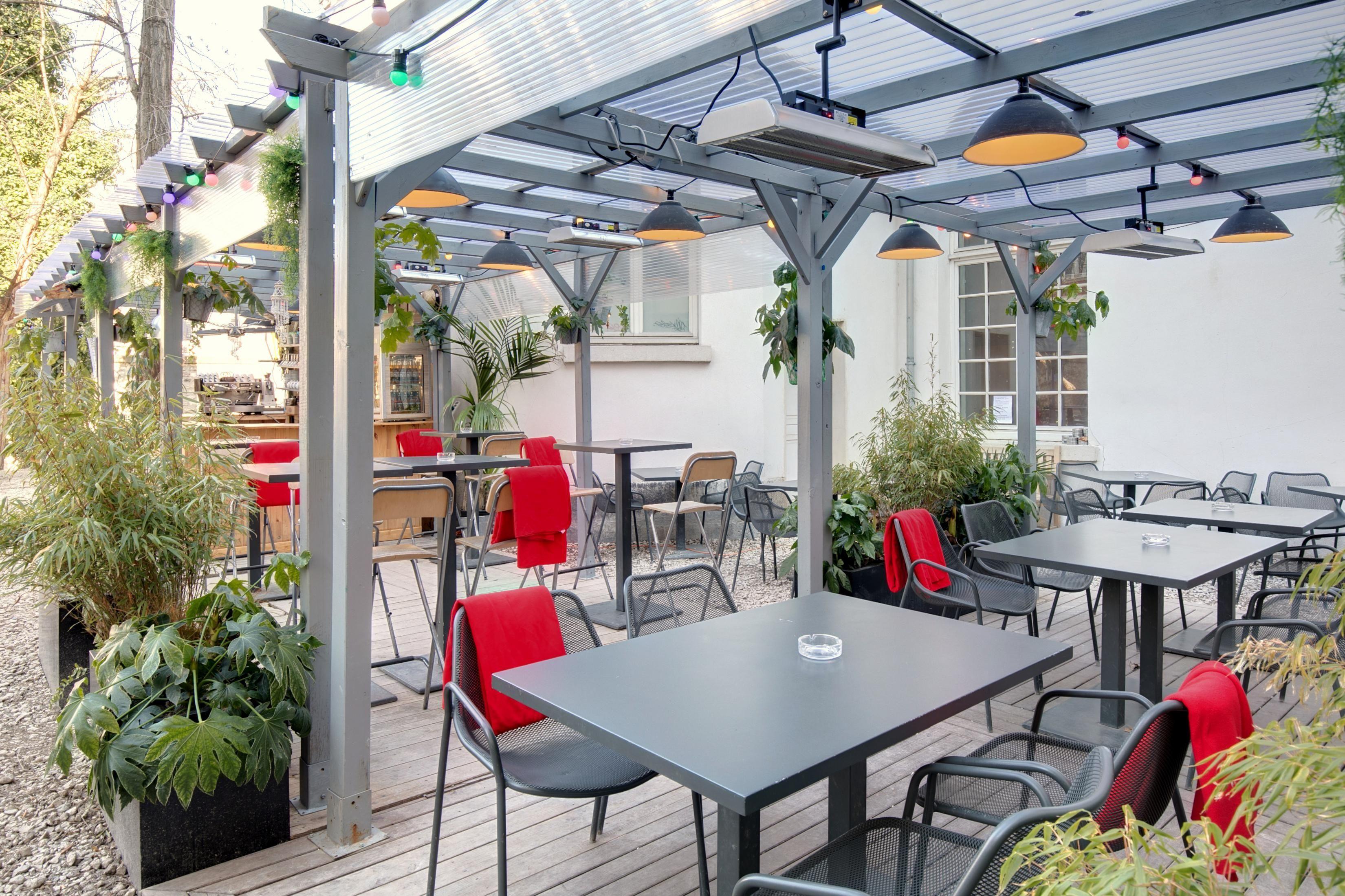 Terrasse Canal Saint Martin terrasse paris bar-pergola gare de l'est café a canal st