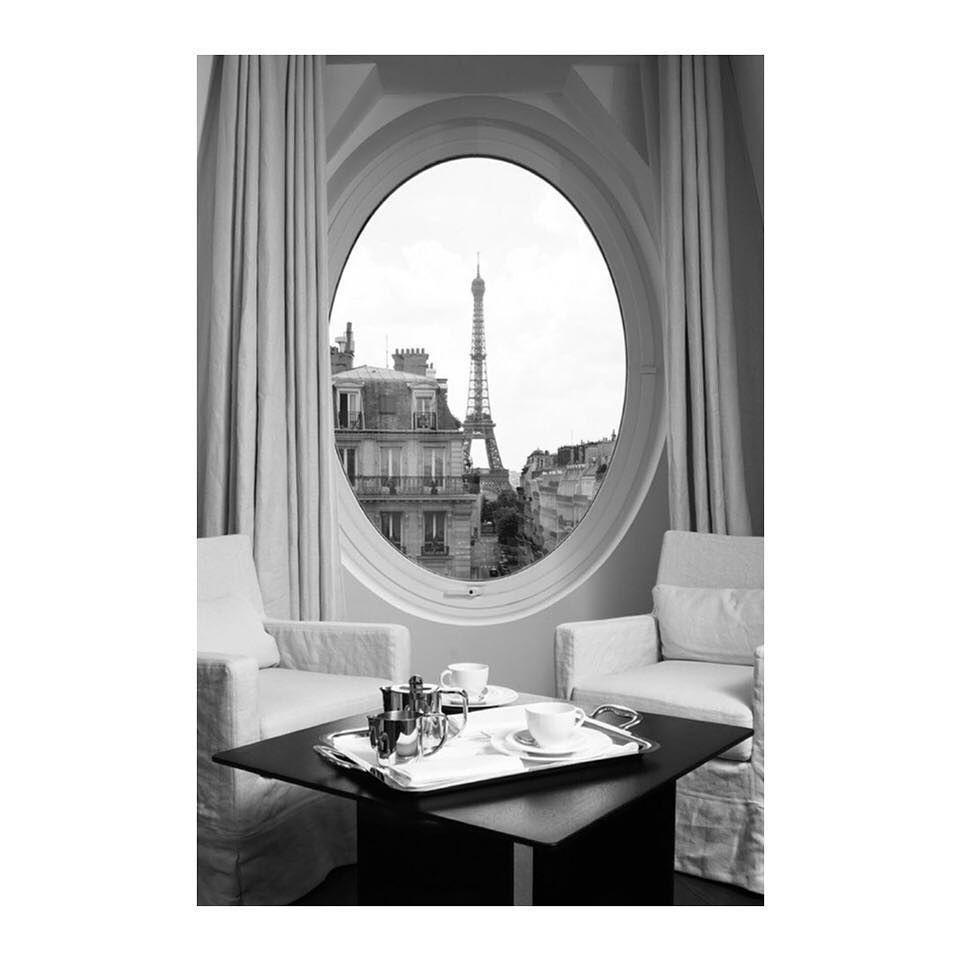 #breakfast #view #eiffeltower #eiffel #hotel #Paris #morning #design #architectur #hausmann #decoration #homedeco #homestyle #homedesign #breakfasttime #hotelroom #romantic by _marie_adore_ http://discoverdmci.com