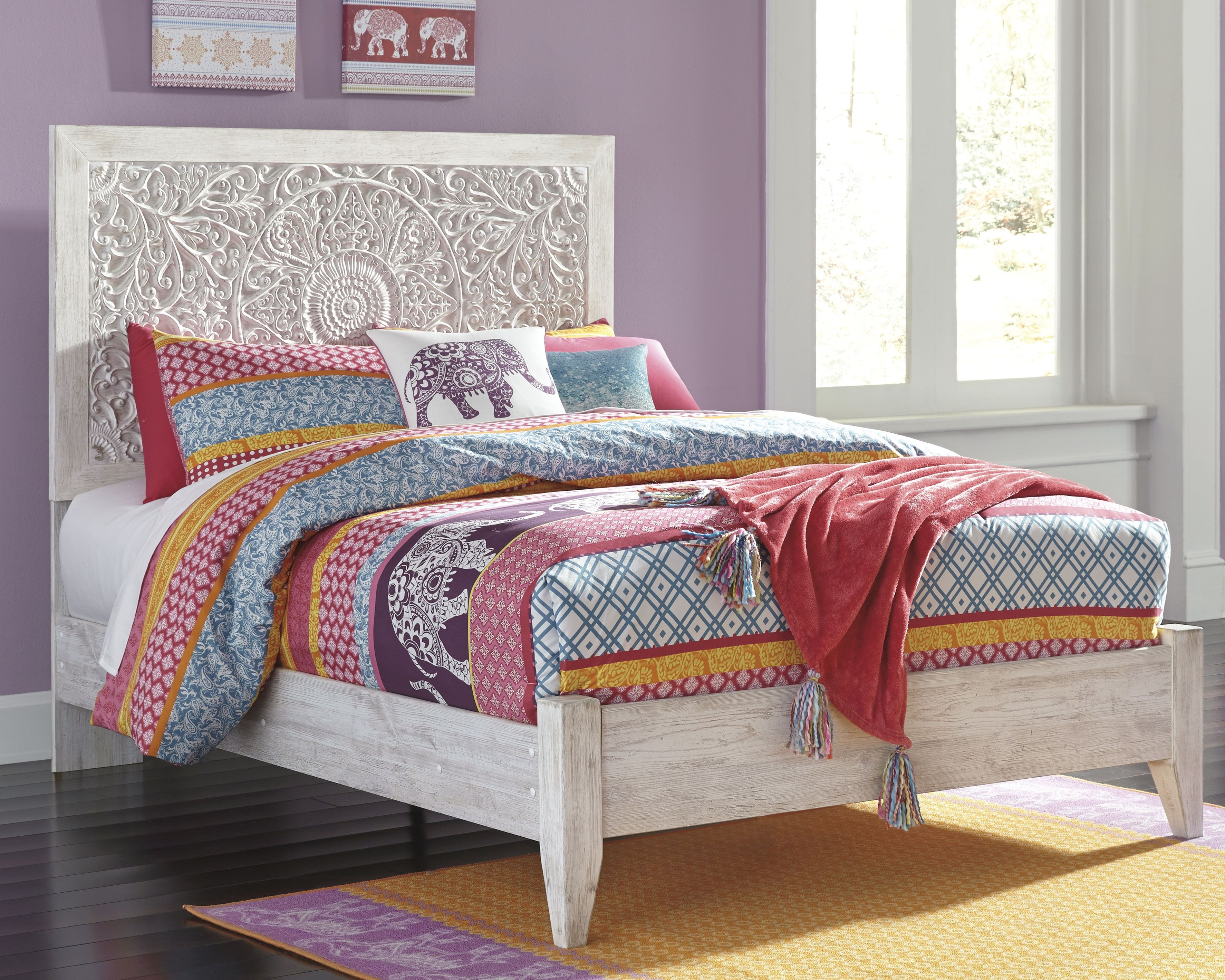 Paxberry Twin Panel Bed, White Wash Twin bedroom
