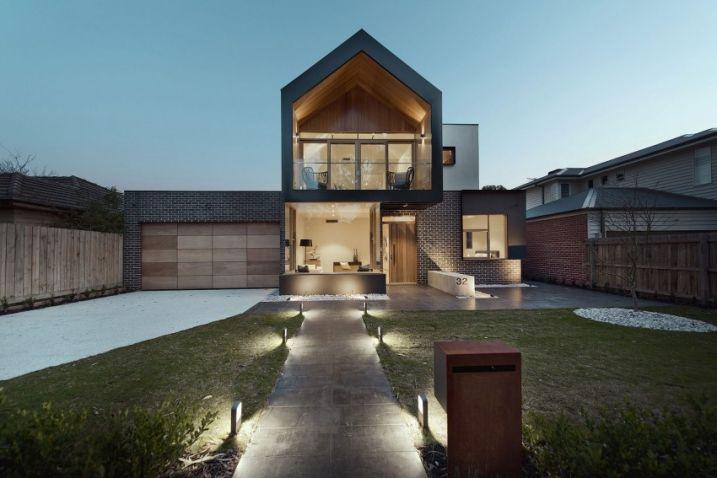 Maison contemporaine avec un intérieur moderne