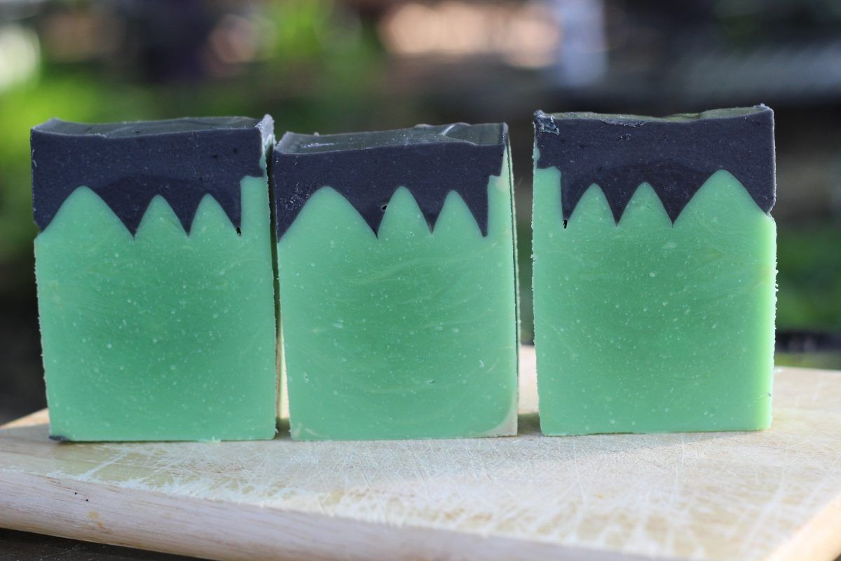 Frankenstein halloween cp soap design and recipe homemade soaps