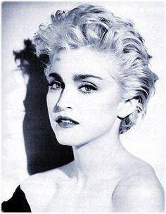 Madonna Short Hair 80s Google Search Madonna Madonna True Blue Madonna 80s