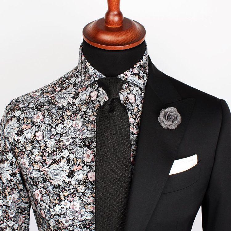eine krawatte geh rt zur business garderobe und auch zum eleganten kleidungsstil kleidung. Black Bedroom Furniture Sets. Home Design Ideas