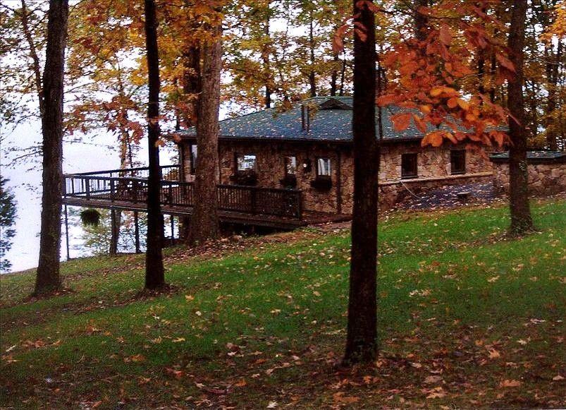 145129 Kentucky Lake Unique Stone Cottage