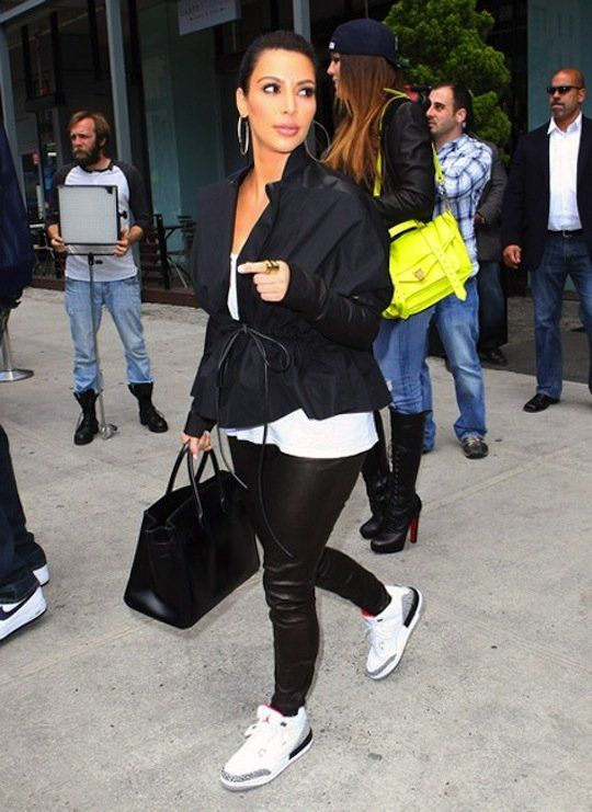e16962360ea248 WANNA BE LIKE MIKE! 30 Pictures Of Celebrities Rockin  Their Nike ...