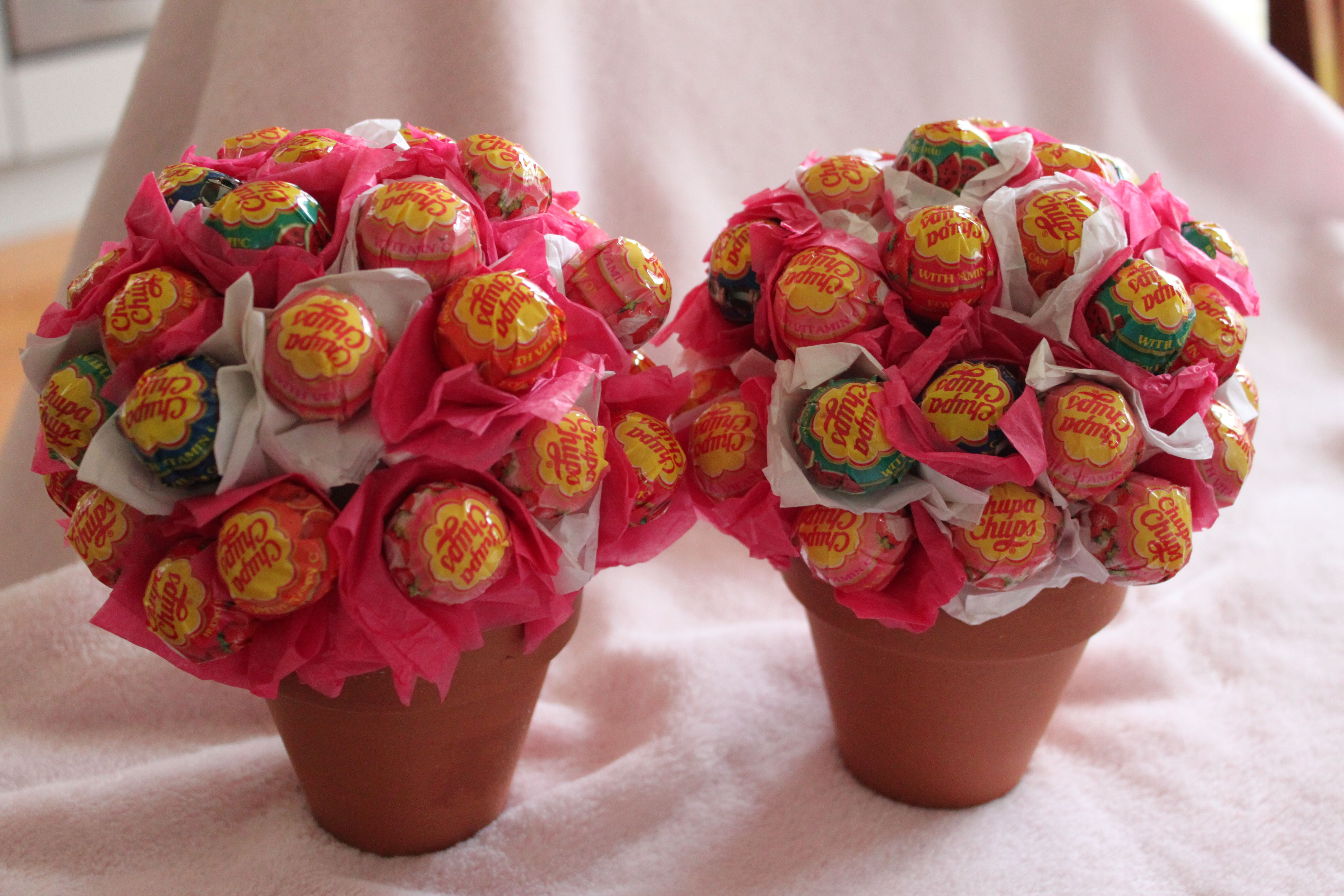 Lolly Pops Flower Pots Quick, cheap and easy way to display lolly ...