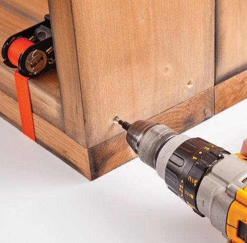 Comment fabriquer un meuble lavabo en bois?