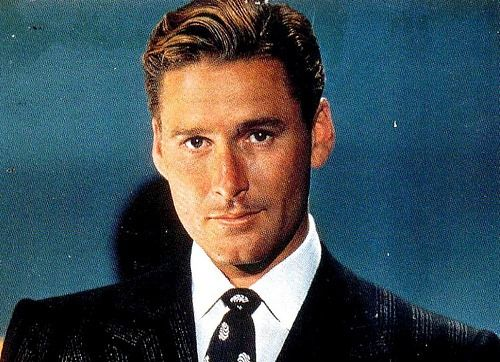 Errol Flynn a good actor and so handsome but a bit of a philanderer and too fond of the bottle..which however he never let interfere with his movies..heartbreaker who sadly died of a heart attack way too young