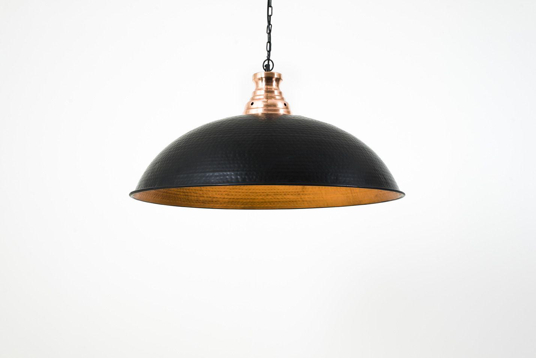 laurie lumi¨re luminaire suspension XXL métal martelé noir et