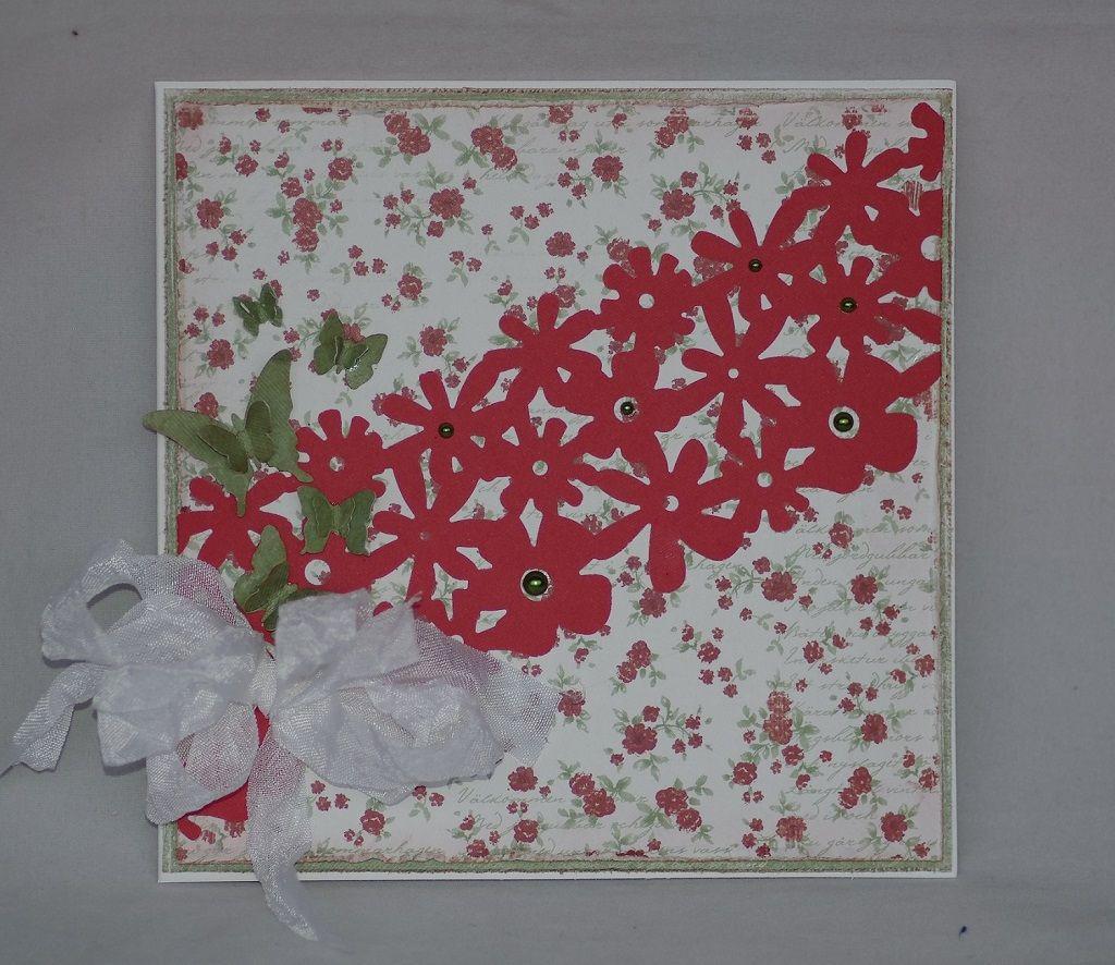 Fiskarsin AdvantEdge kukkanauhalla saa aikaan näyttäviä kortteja vähillä koristeilla. Kortin tekijä: MarjutL