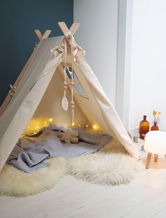 La Tente Canadienne De Suzon Chambre Enfant Chambres Et Chambres Bébé - Canapé convertible scandinave pour noël univers chambre bébé