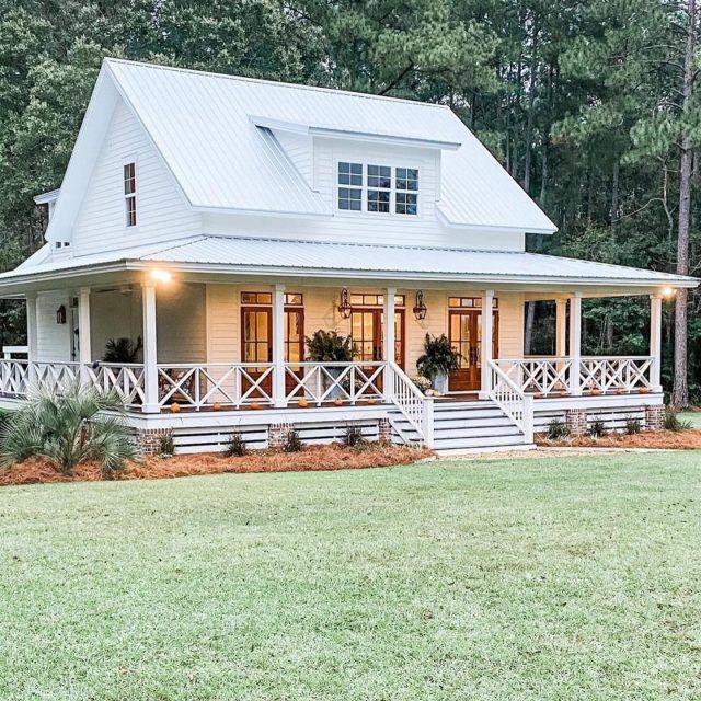 Key Design Elements Of A Farmhouse Exterior