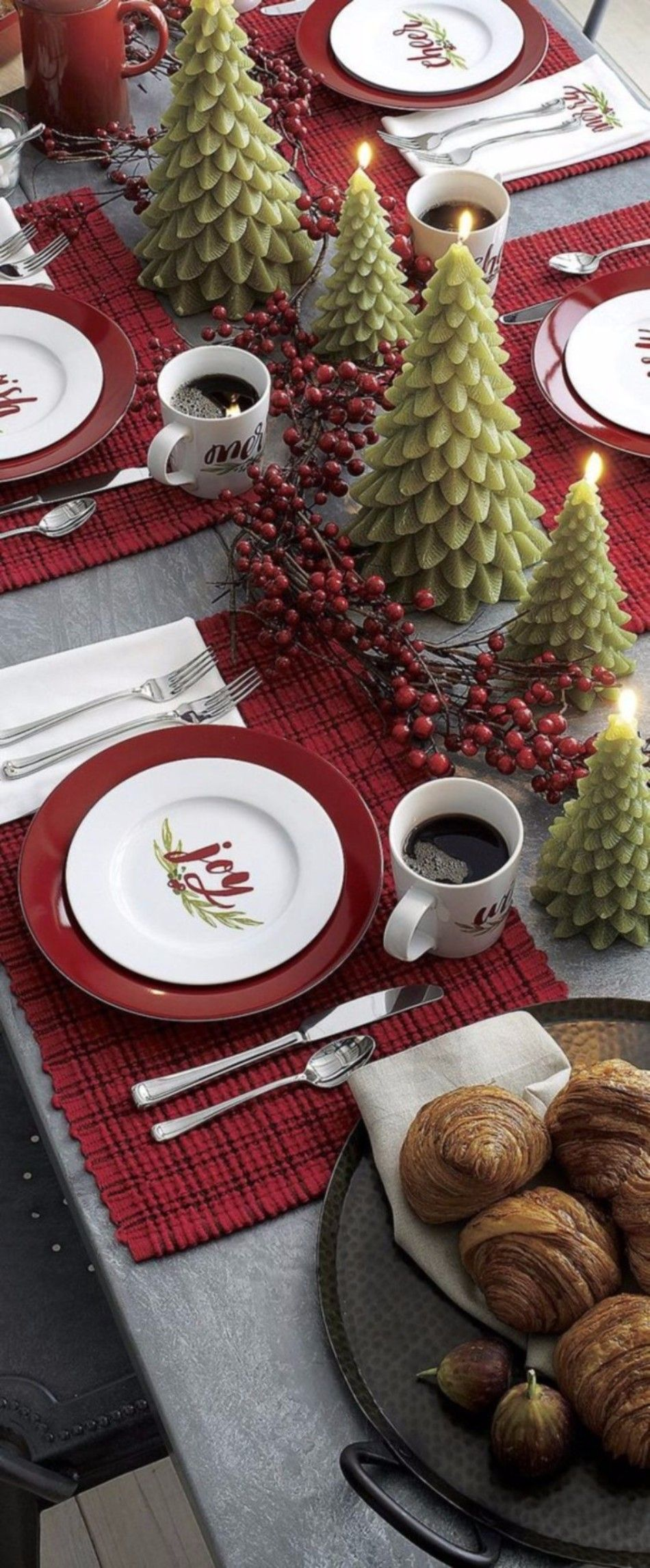 5 Ideas on How to Prepare The Best Dining Table Decor for Christmas