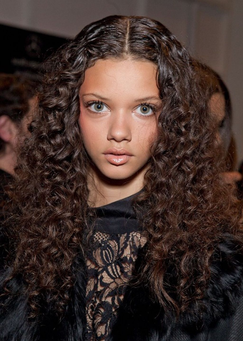 Natural Curly Hairstyles Long Hair This Style Is Called Ombre With Long Curly Hair Middle Curly Hair Styles Naturally Curly Girl Hairstyles Curly Hair Styles