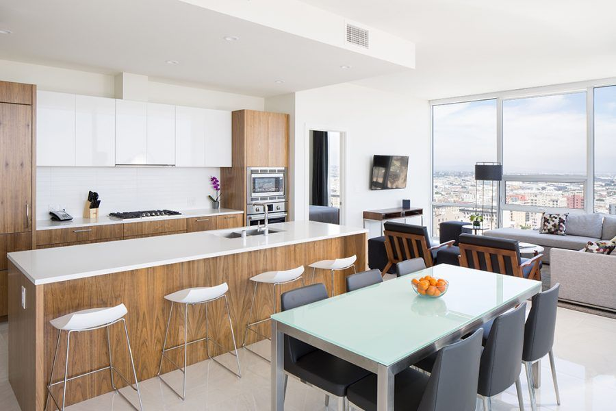 Level Furnished Living In Downtown Los Angeles Offers Short Term And Extended Stay Rentals New 1 3 Bedroom Apar Hotel Kitchen Furnished Apartment Loft Kitchen